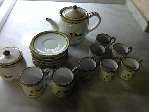 デルータの陶器、これ何用?_a0136671_4141465.jpg