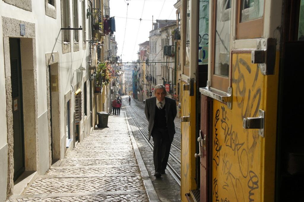 YouTubeのmovieから、BICA in Lisboa_c0180686_10144518.jpg