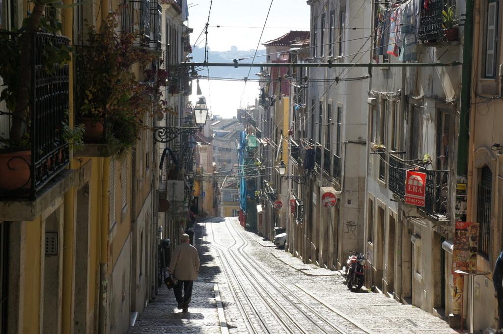 YouTubeのmovieから、BICA in Lisboa_c0180686_10155030.jpg