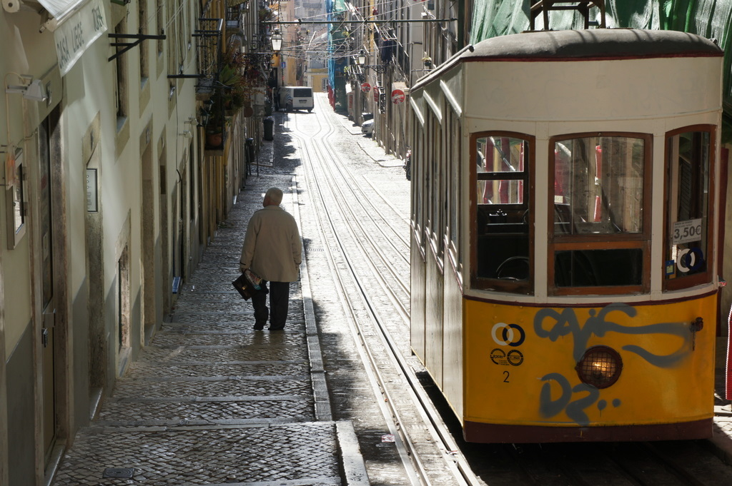 YouTubeのmovieから、BICA in Lisboa_c0180686_10161057.jpg