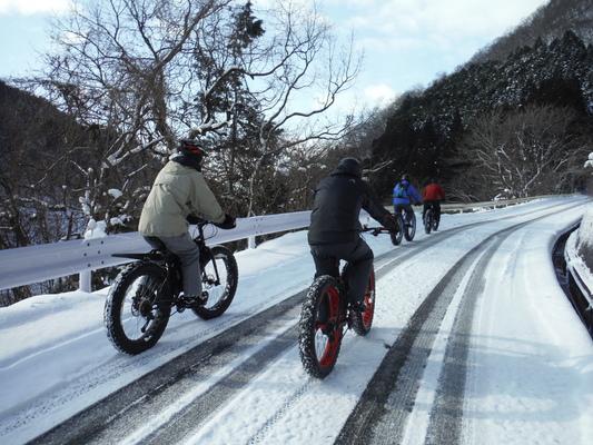 ファットバイクで雪遊び 2015年2月_c0132901_1752433.jpg