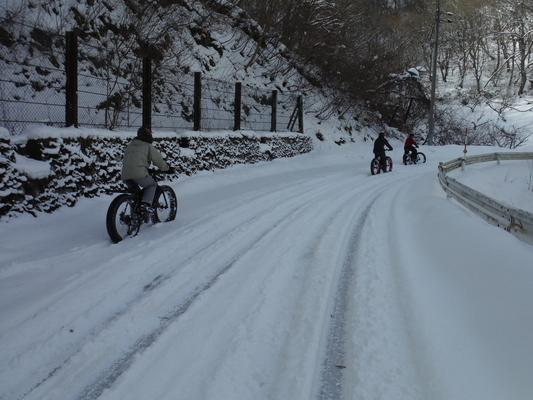 ファットバイクで雪遊び 2015年2月_c0132901_17552026.jpg