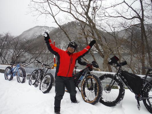 ファットバイクで雪遊び 2015年2月_c0132901_17554113.jpg