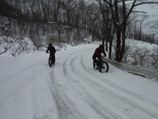 ファットバイクで雪遊び 2015年2月_c0132901_17561229.jpg