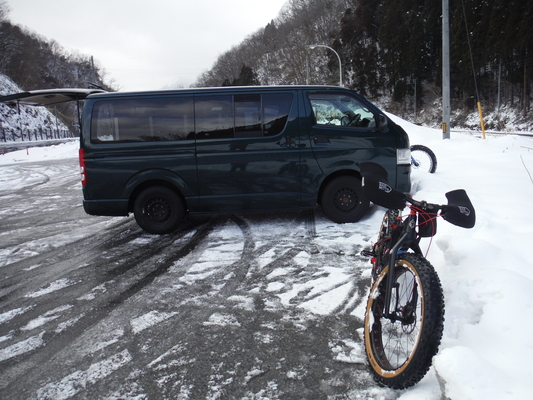 ファットバイクで雪遊び 2015年2月_c0132901_17563963.jpg