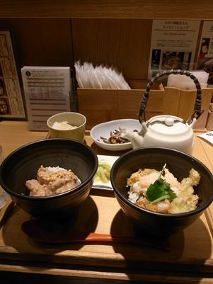成田空港でまいどのお茶漬け&ラウンジのお寿司。_d0098022_202657.jpg