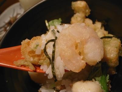 成田空港でまいどのお茶漬け&ラウンジのお寿司。_d0098022_2027127.jpg
