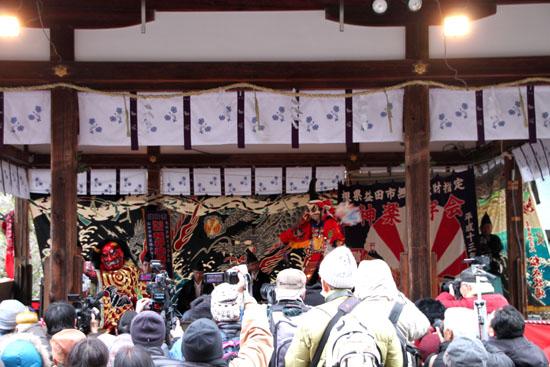 15節分祭3 松尾大社 石見神楽_e0048413_205315.jpg