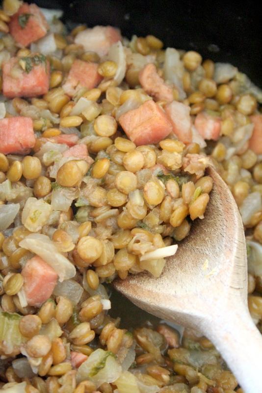 栄養満点!! レンズ豆とベーコンの煮込み_f0141419_05064702.jpg