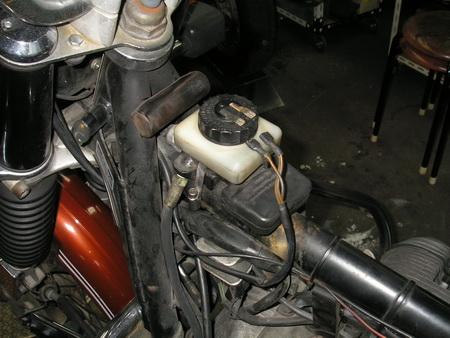 BMW R75/6 継続検査_e0218639_9572527.jpg