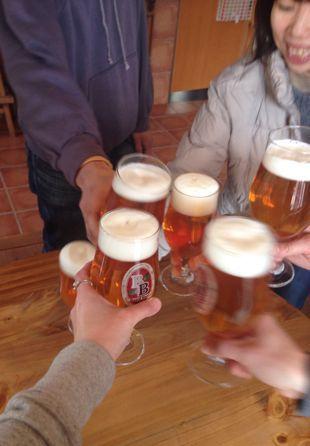 ランチタイム♪さっそくベアードビールで乾杯♪_c0069047_1238644.jpg