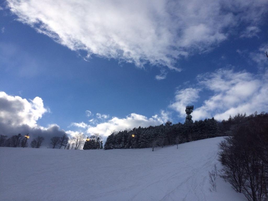 暴風雪の中でのスノートレイルin藻岩山_d0198793_14384429.jpg