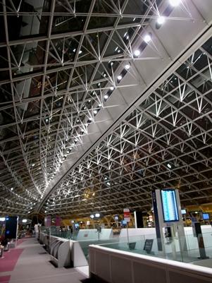 シャルルドゴール空港での待ち時間_d0098022_21151611.jpg