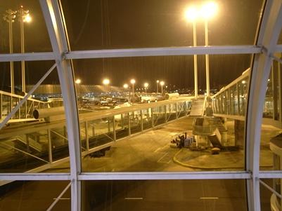 シャルルドゴール空港での待ち時間_d0098022_21191218.jpg