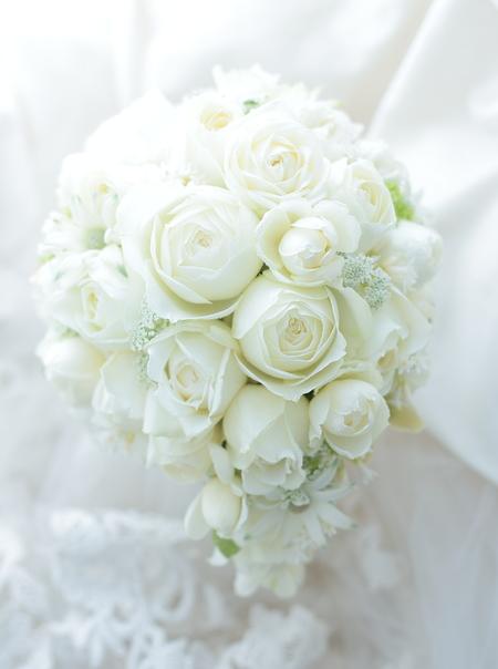 白のブーケ 横浜グランドインターコンチネンタルホテルさまへ _a0042928_22453974.jpg