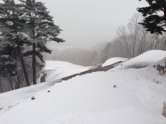 本日(2/5)は降雪によりクローズです_f0096067_8441059.jpg