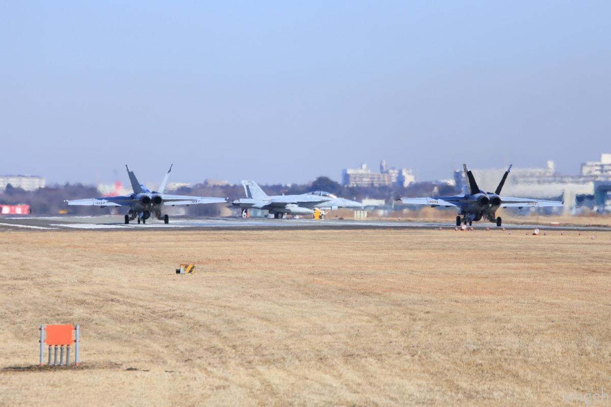 厚木海軍飛行場_f0157812_13484242.jpg