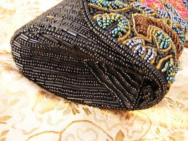 ビーズ刺繍のパーティ用バッグ 半額_f0112550_05333787.jpg