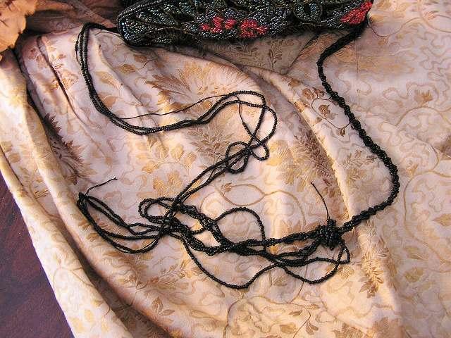 ビーズ刺繍のパーティ用バッグ 半額_f0112550_05344101.jpg