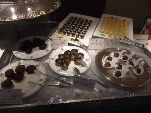 川崎日航ホテル 夜間飛行 バレンタインスイーツブッフェ_f0076001_20555416.jpg