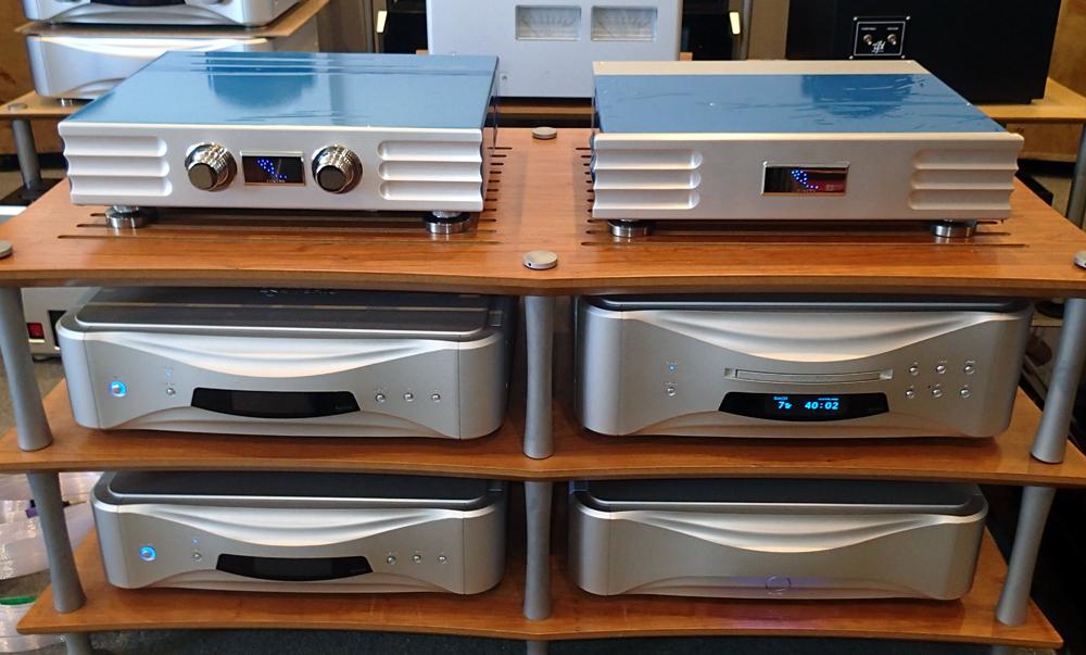INDIGOとYGアコースティクス・CARMEL2 の試聴機を聴きました。_b0262449_1151838.jpg