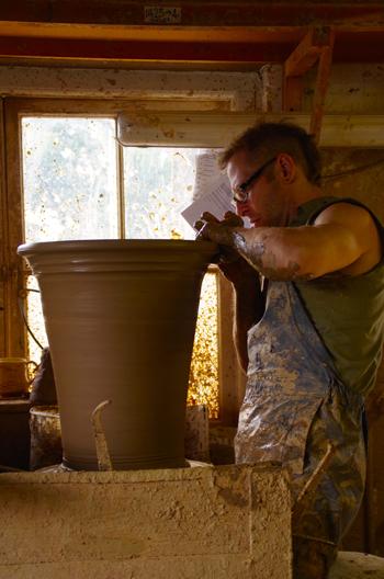 Whichford potteryオーナージムキーリングさん息子アダムさん_d0229351_22173041.jpg