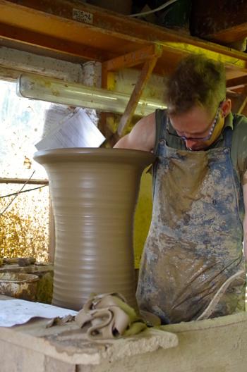 Whichford potteryオーナージムキーリングさん息子アダムさん_d0229351_22173718.jpg