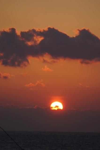 藤田八束:ジャンボフェリーの素敵な旅、高松から神戸へ航海瀬戸の夕日_d0181492_22572412.jpg