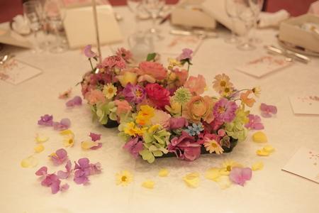 春の装花 目黒雅叙園鷲の間さまへ 春らしく明るくかわいくおまかせで_a0042928_033819.jpg
