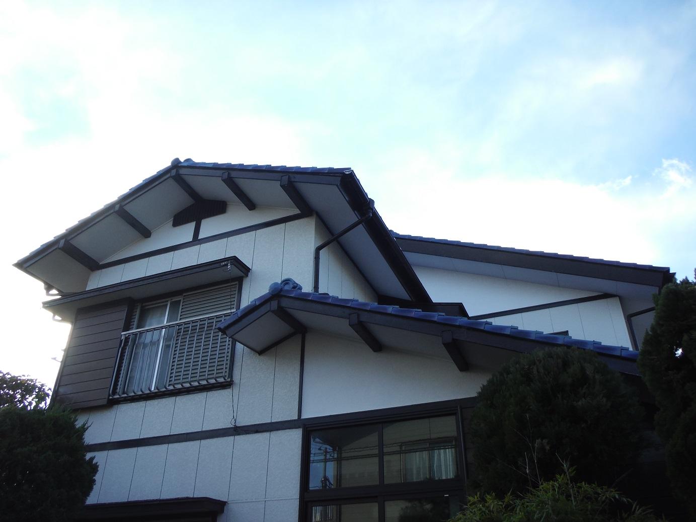 屋根瓦 ~ 雨漏りしたんです。_d0165368_15403632.jpg