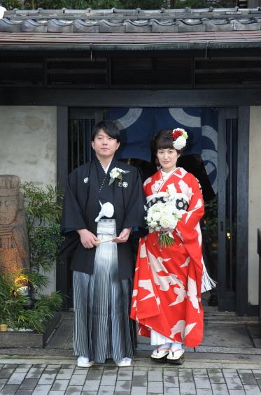 重なる幸せに、白い鳩舞い飛ぶご婚礼の日_b0098077_13321875.jpg