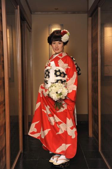重なる幸せに、白い鳩舞い飛ぶご婚礼の日_b0098077_13323855.jpg