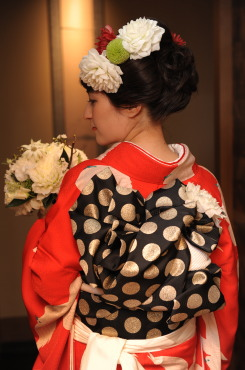 重なる幸せに、白い鳩舞い飛ぶご婚礼の日_b0098077_13334287.jpg