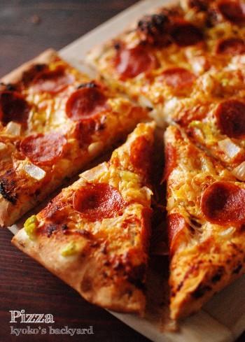 ペパロニのピザ_b0253205_03560987.jpg