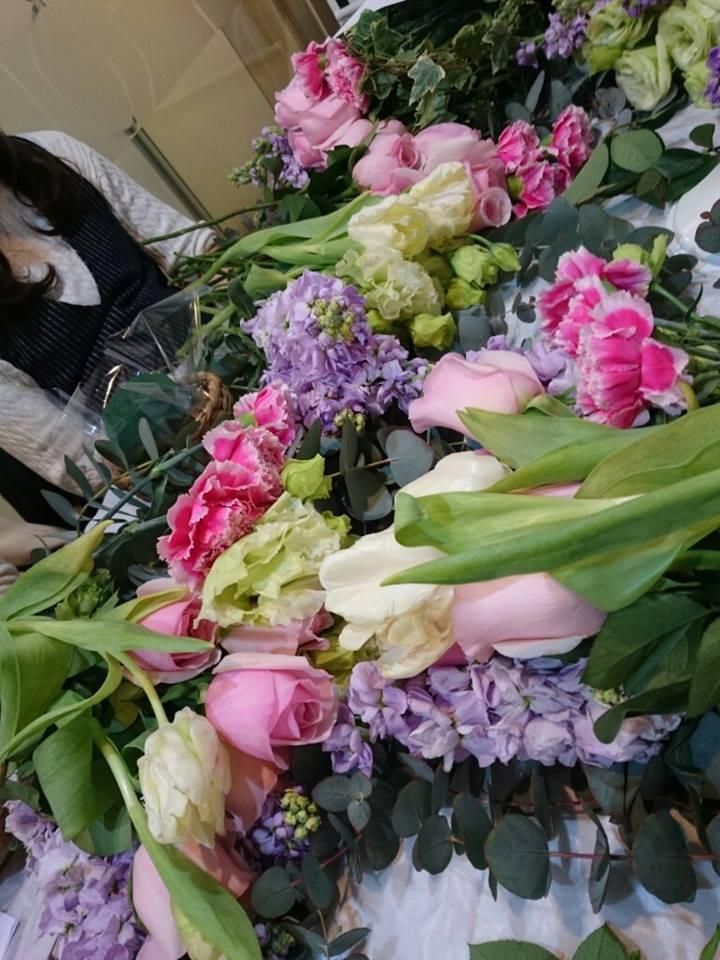 今日の花々と素敵な笑顔* Today\'s flowers & Happy smiles_f0134809_23431939.jpg