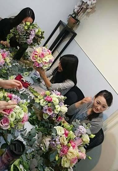 今日の花々と素敵な笑顔* Today\'s flowers & Happy smiles_f0134809_23434346.jpg