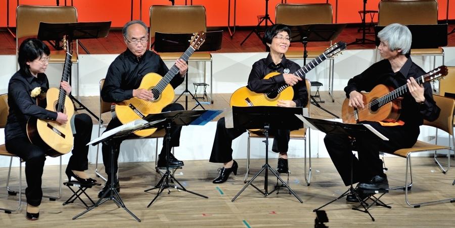 2015年春日井ギターオーケストラ定期公演の模様_c0330563_00211348.jpg