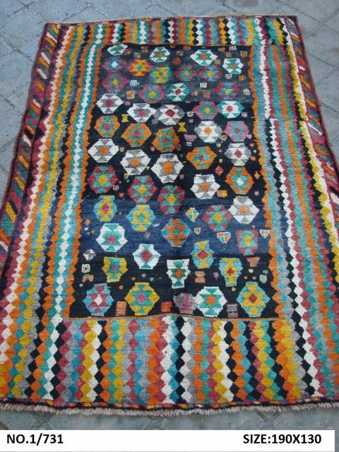 モハンさんの絨毯_c0256701_8573516.jpg