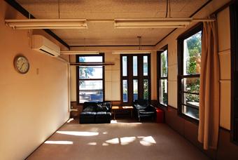 旧鎌倉町立図書館が解体される?_c0195909_16522055.jpg