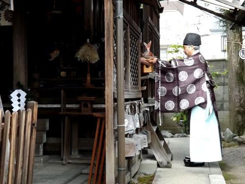 剣神社 お弓始め祭と厄除け火焚き祭_e0048413_21105168.jpg