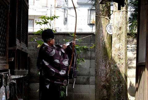 剣神社 お弓始め祭と厄除け火焚き祭_e0048413_21114160.jpg