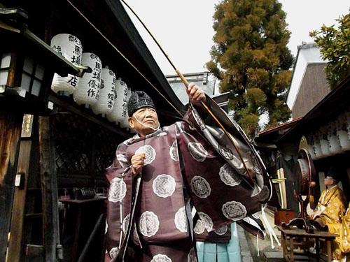 剣神社 お弓始め祭と厄除け火焚き祭_e0048413_2111656.jpg