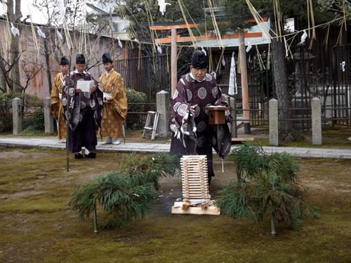 剣神社 お弓始め祭と厄除け火焚き祭_e0048413_21122435.jpg
