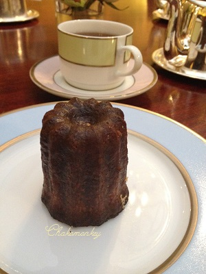 ParisのLadureeでカヌレとお茶~♪_f0238789_0183469.jpg