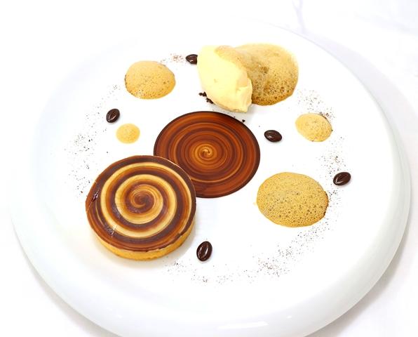 ≪ Pagaïe de chocolat ≫      チョコレートのタルトレット_f0303590_2227522.jpg