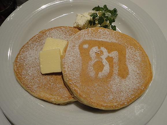 cafeボローニャ麹町でパンケーキ_e0230011_17535679.jpg