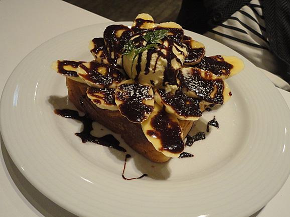 cafeボローニャ麹町でパンケーキ_e0230011_17545239.jpg