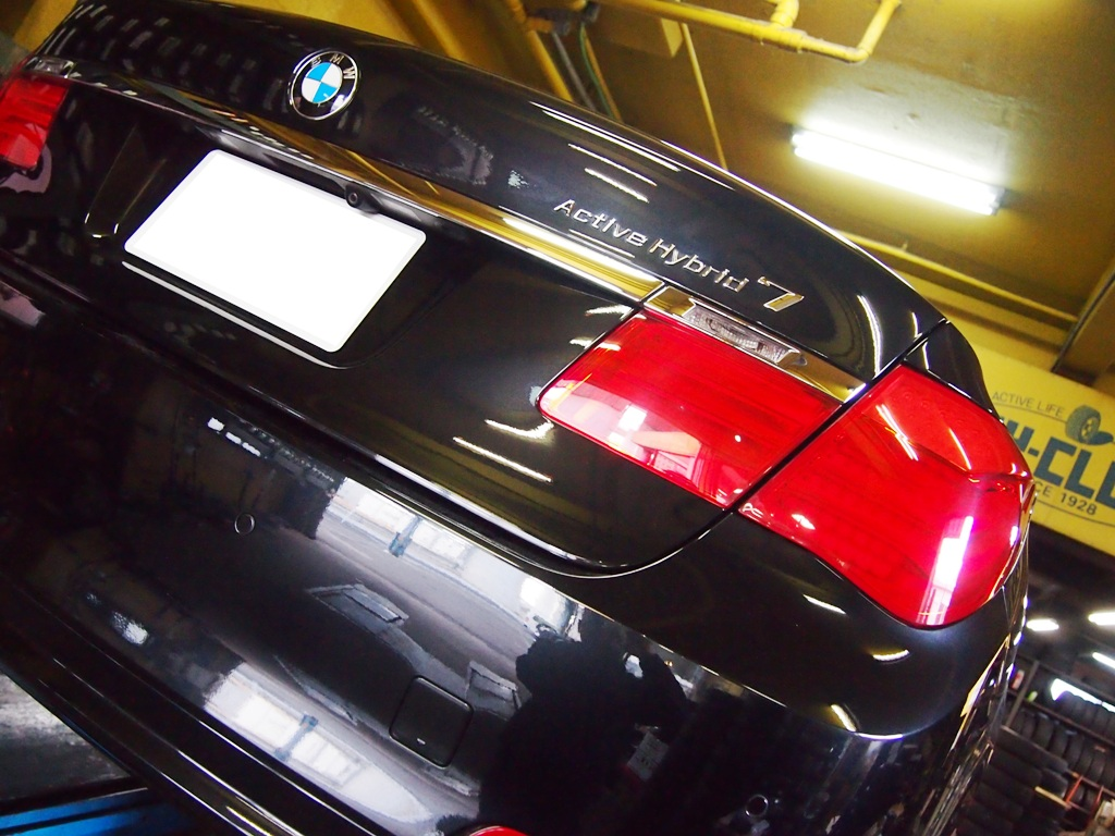 BMW・F01系アクティブハイブリッド7をローダウンです。_e0188729_1604123.jpg