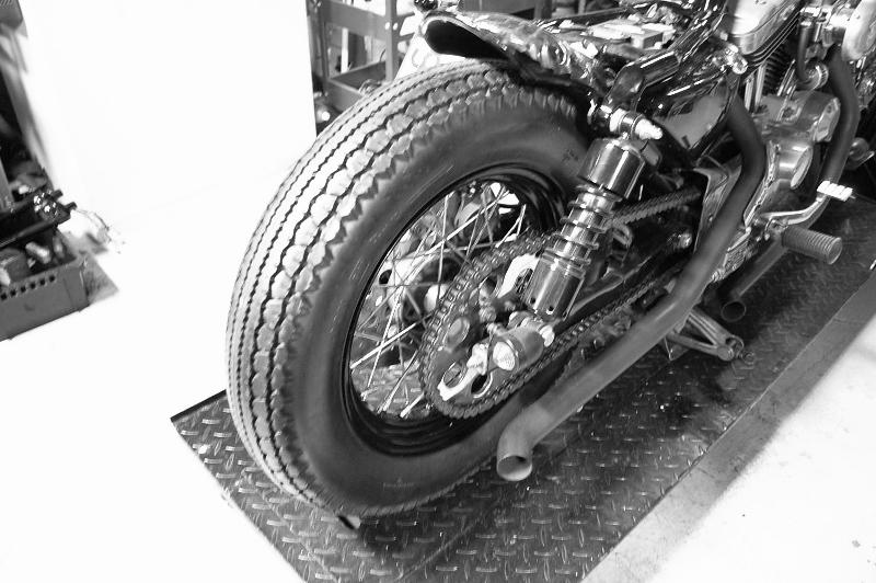 ハーレー スポーク ホイル 化 リヤ18インチ 名古屋タイヤ交換_c0227496_18503625.jpg