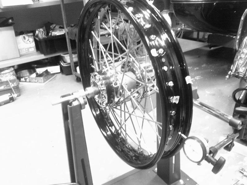 ハーレー スポーク ホイル 化 リヤ18インチ 名古屋タイヤ交換_c0227496_18553597.jpg
